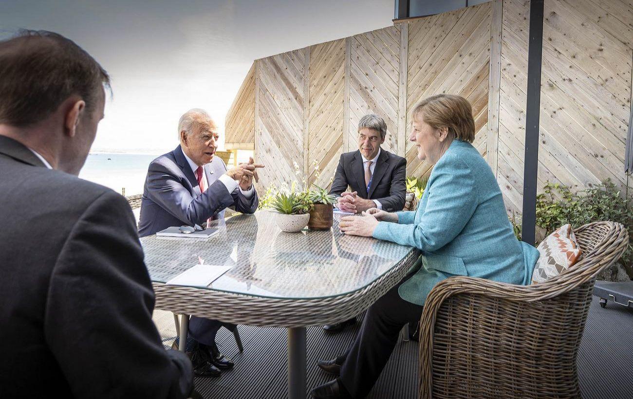 Меркель обсудила с Байденом