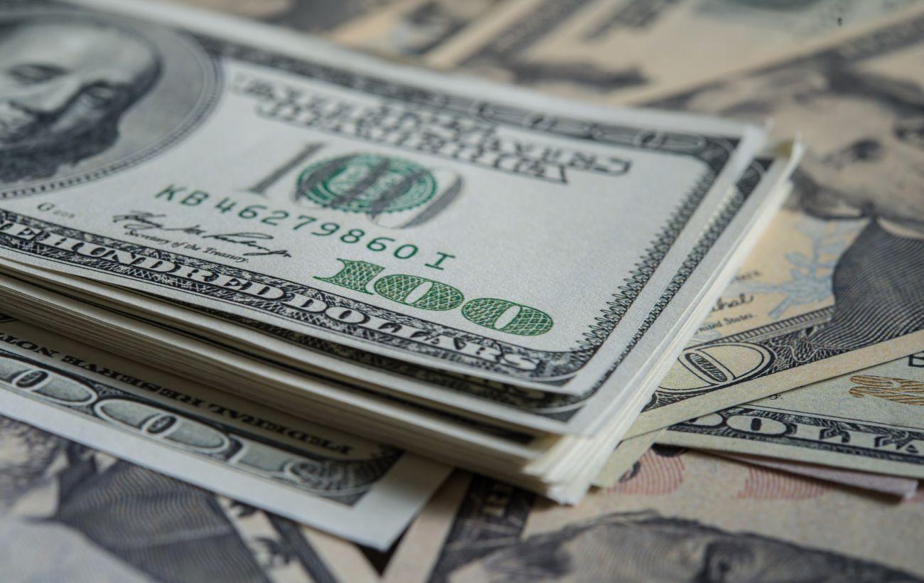 Рекордный рост с начала пандемии: доллар заметно подорожал после заседания ФРС