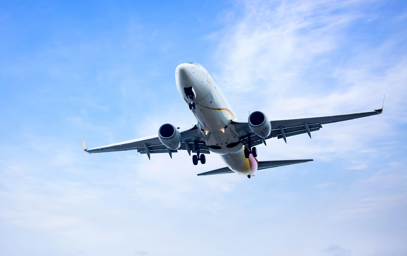 Британия может смягчить ограничения для туристов на фоне иска авиакомпаний