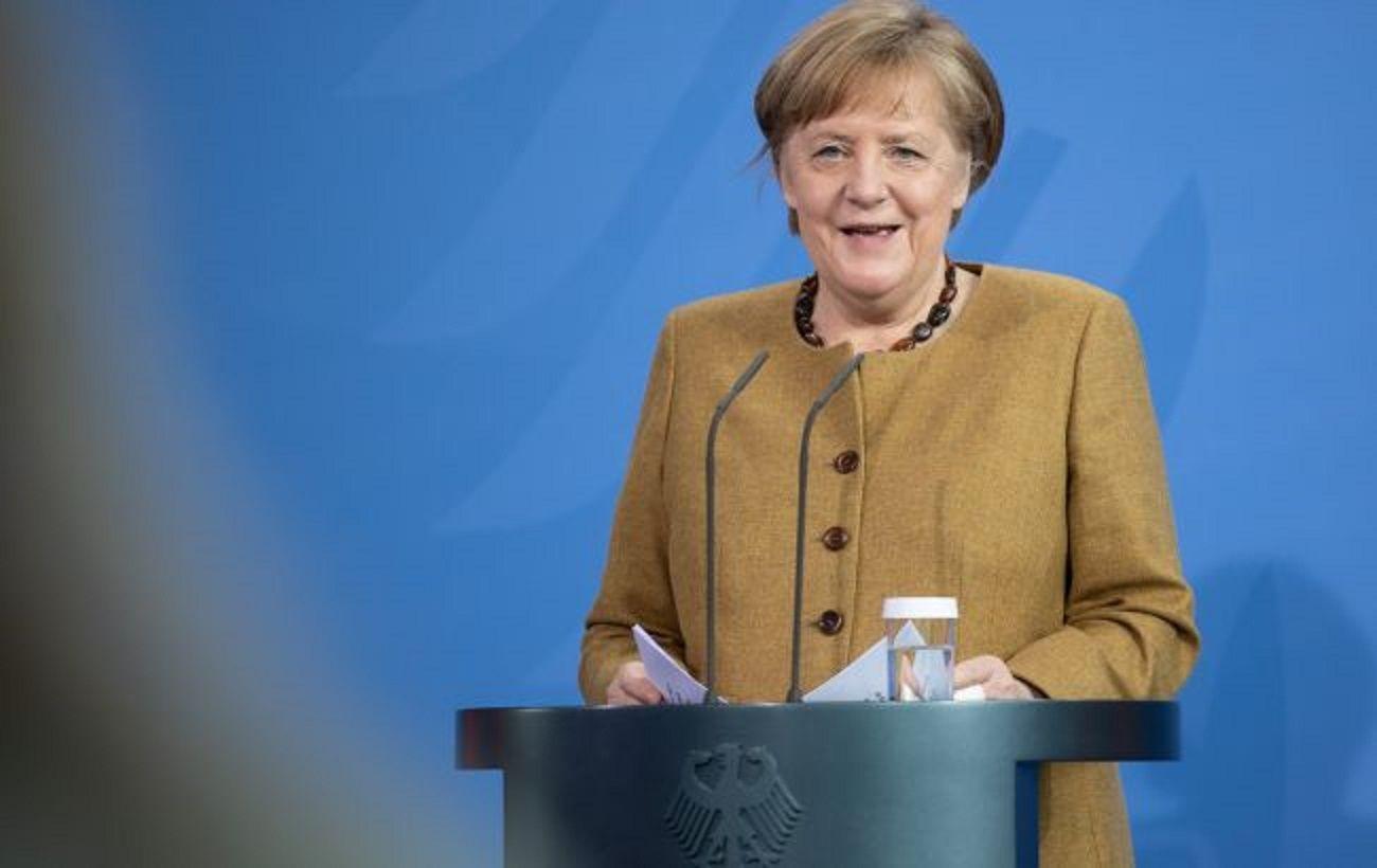 Партия Меркель выступила за ужесточение позиции в отношении России