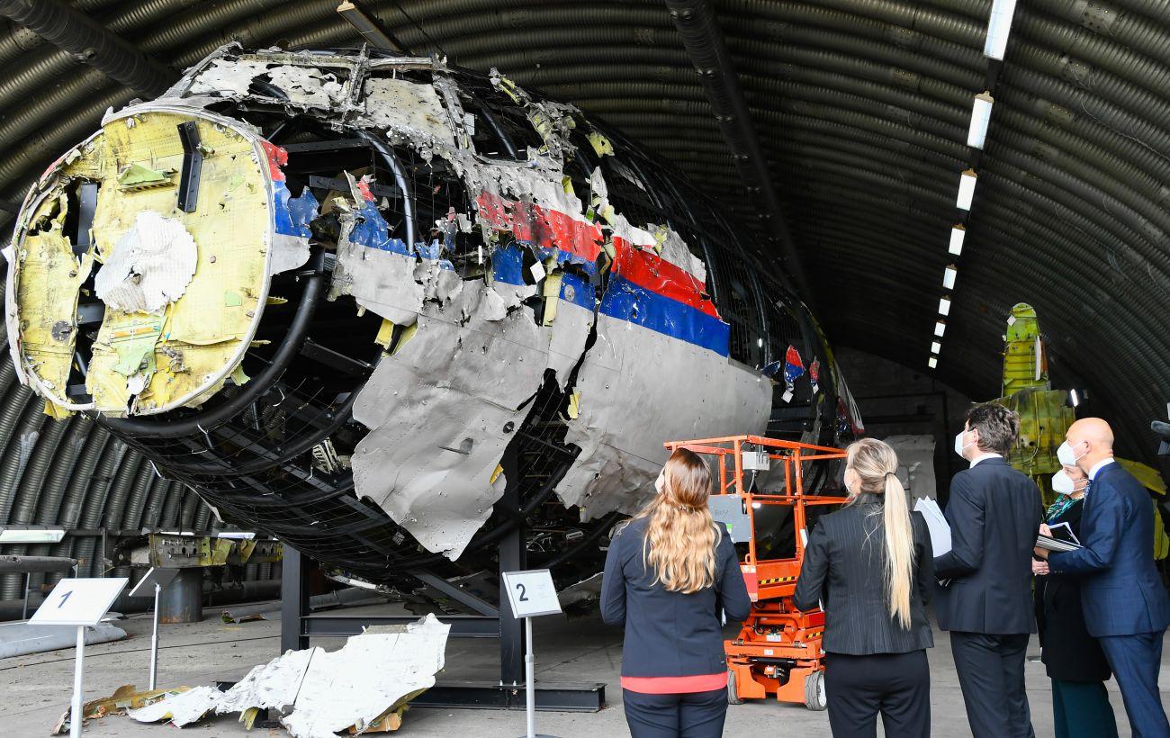 Суд Гааги завтра начнет слушания по существу по делу MH17: главные темы заседания