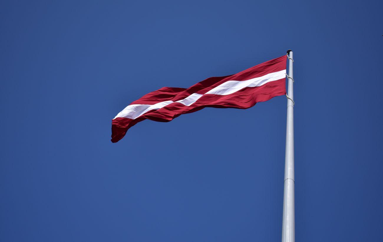 Латвия может ввести обязательное тестирование на COVID при въезде из России