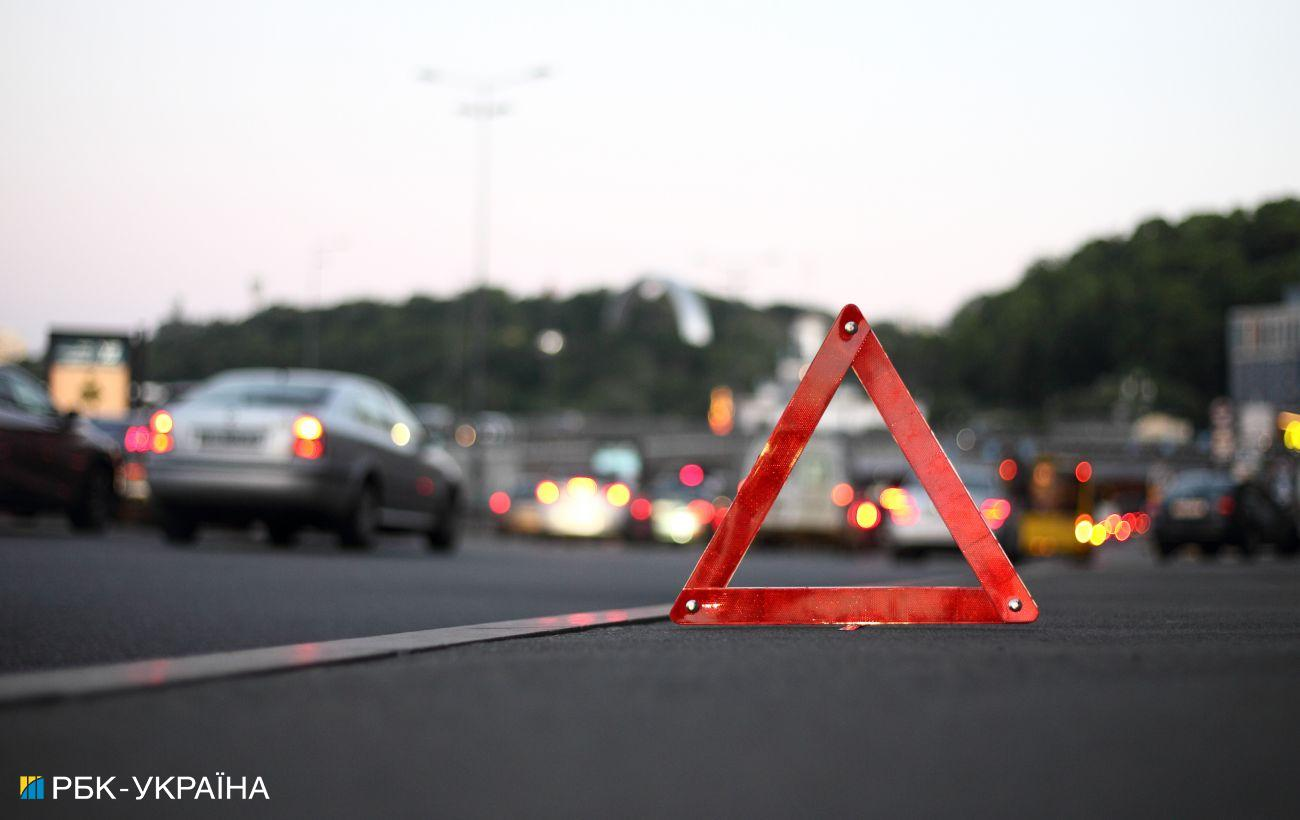 На трассе Киев-Одесса произошло смертельное ДТП. Столкнулись пассажирский автобус и зерновоз