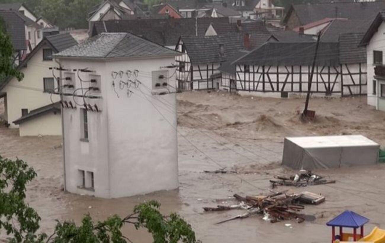 В Баварии из-за наводнения и оползней объявлен режим ЧС