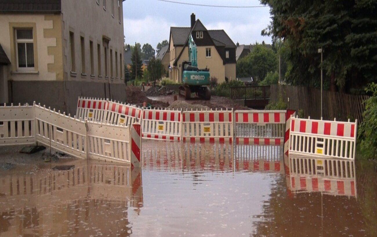 Из-за наводнения прервали железнодорожное сообщение на границе Германии и Чехии