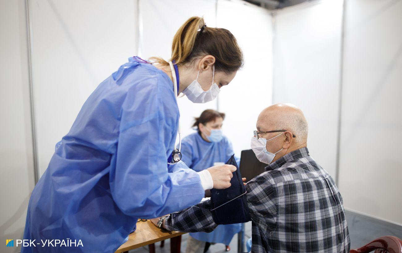 Эстония может начать вакцинацию третьей дозой в октябре
