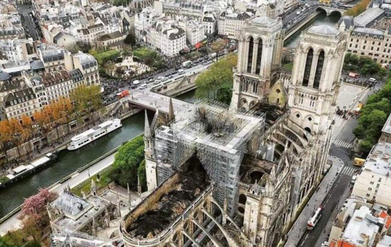 В Париже спустя два года после пожара готовы к реставрации Нотр-Дама