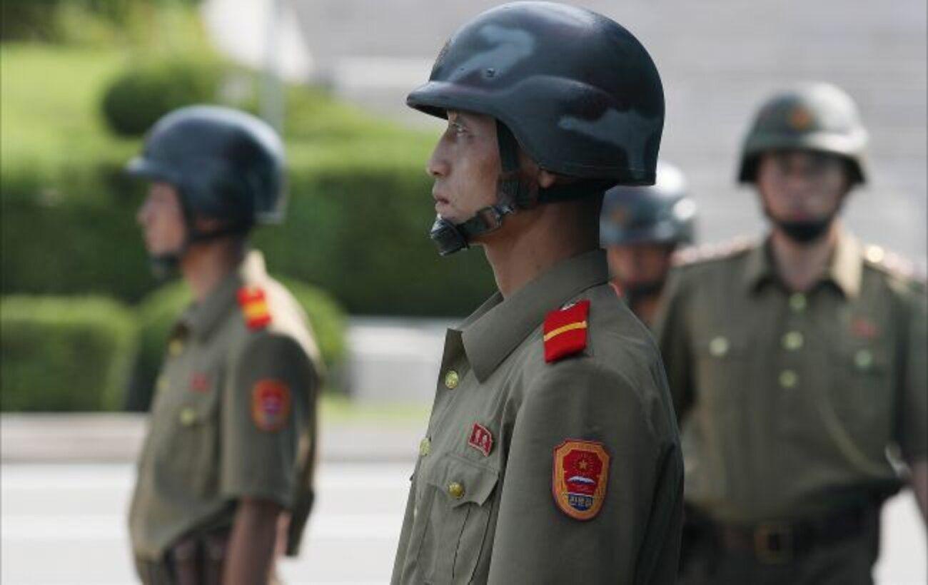 Северная Корея выпустила снаряд в Японское море