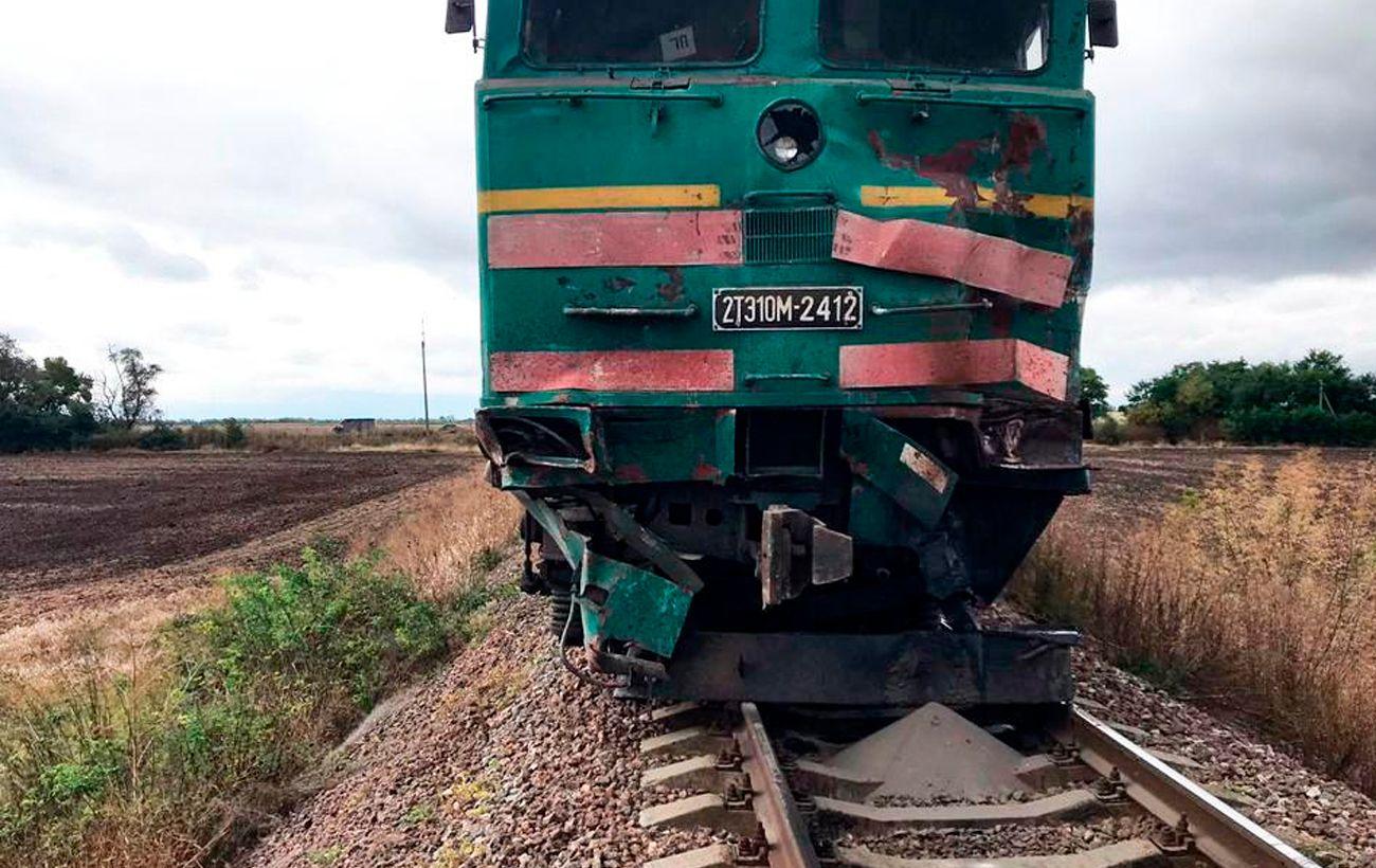 В Николаевской области локомотив столкнулся с грузовиком