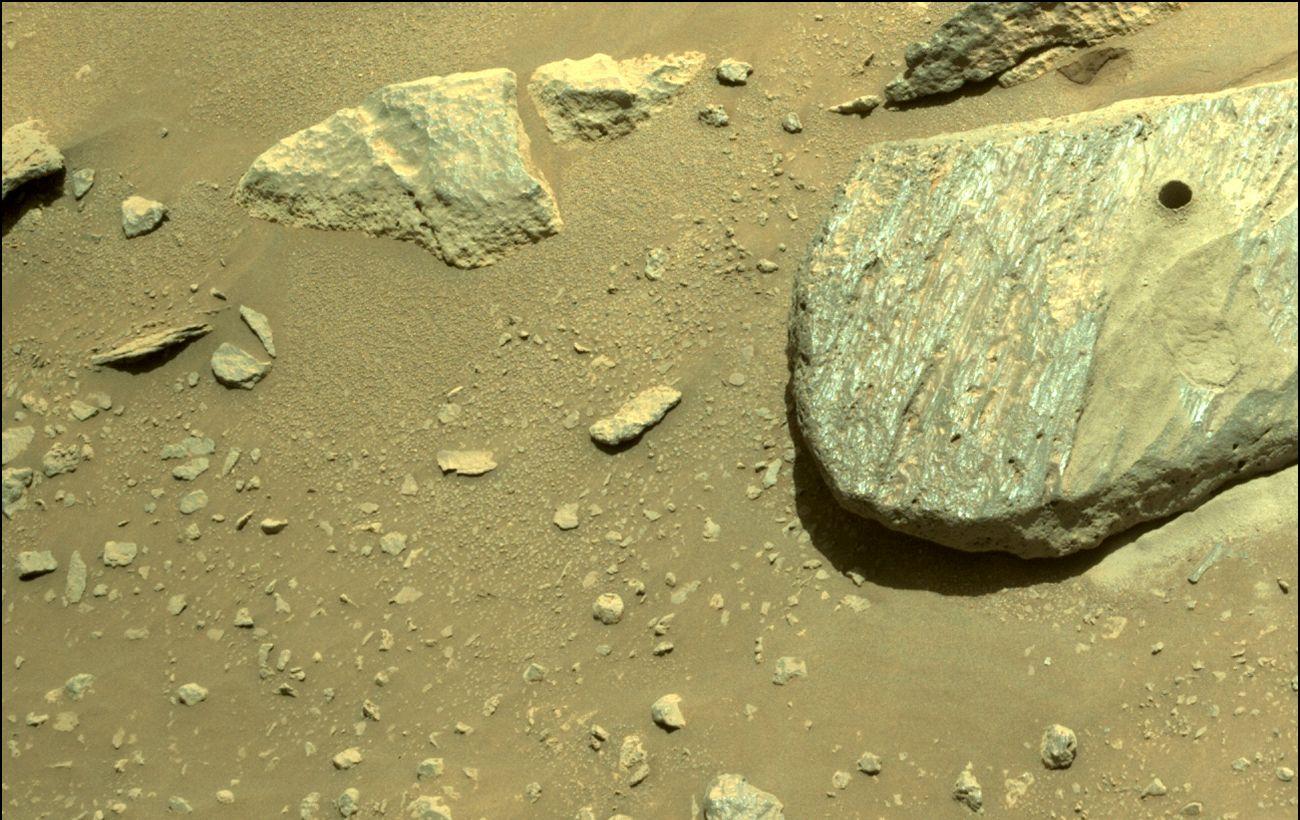 Марсоход Perseverance добыл первый образец планетарного грунта