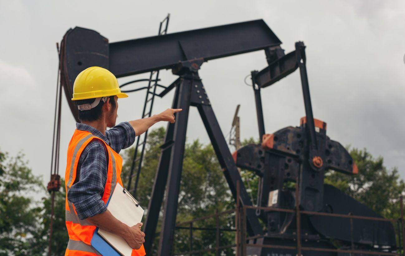 В Сумской области произошел разлив нефти из-за повреждения трубопровода