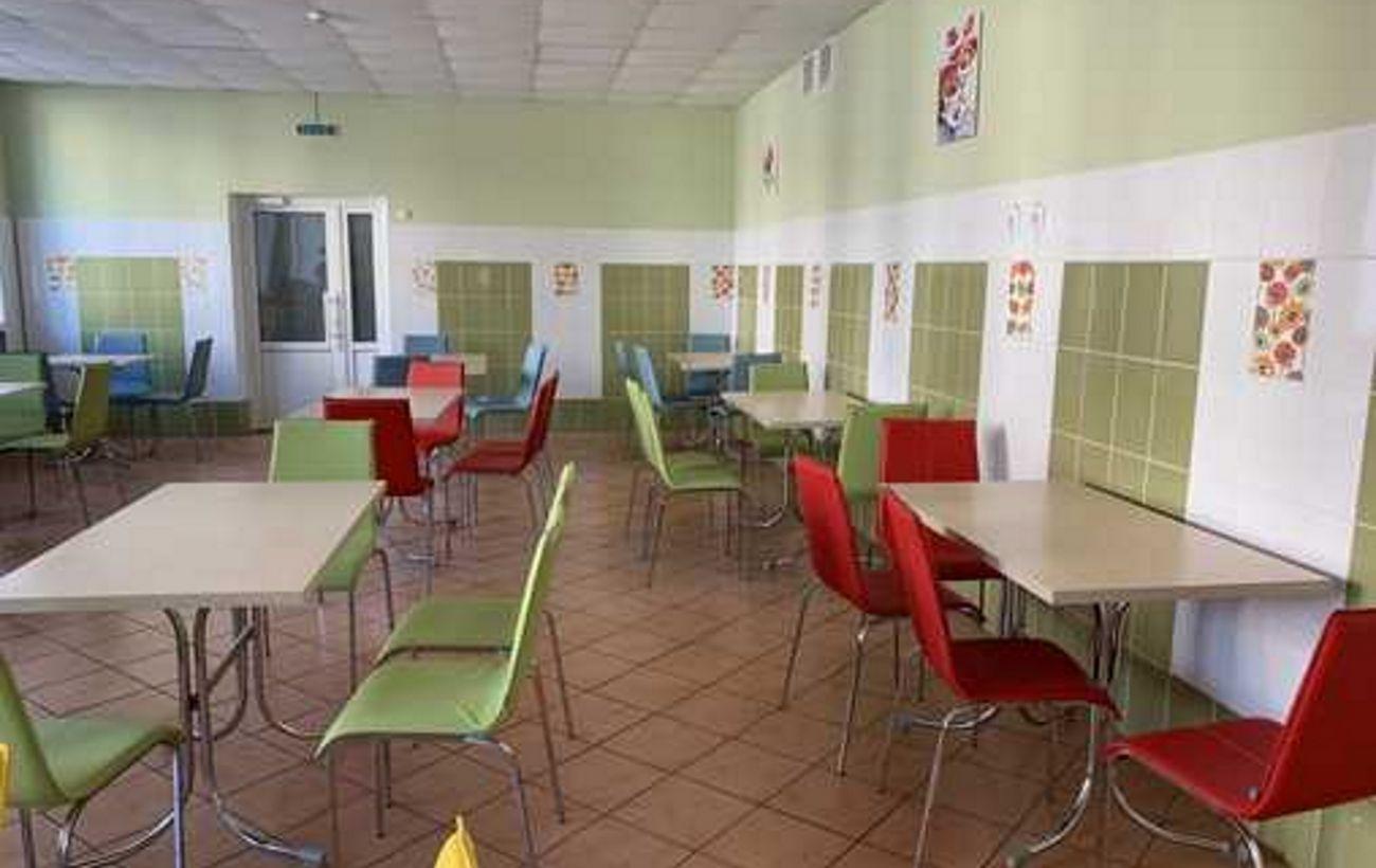 Минздрав начал внезапные проверки работников школьных столовых на стафилококк