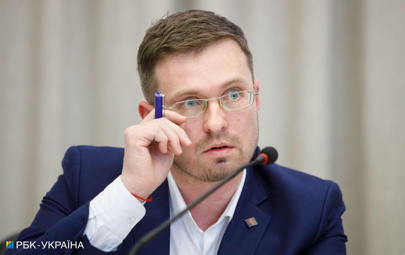 Украина идет по умеренному сценарию COVID, но все может быстро измениться, - Кузин