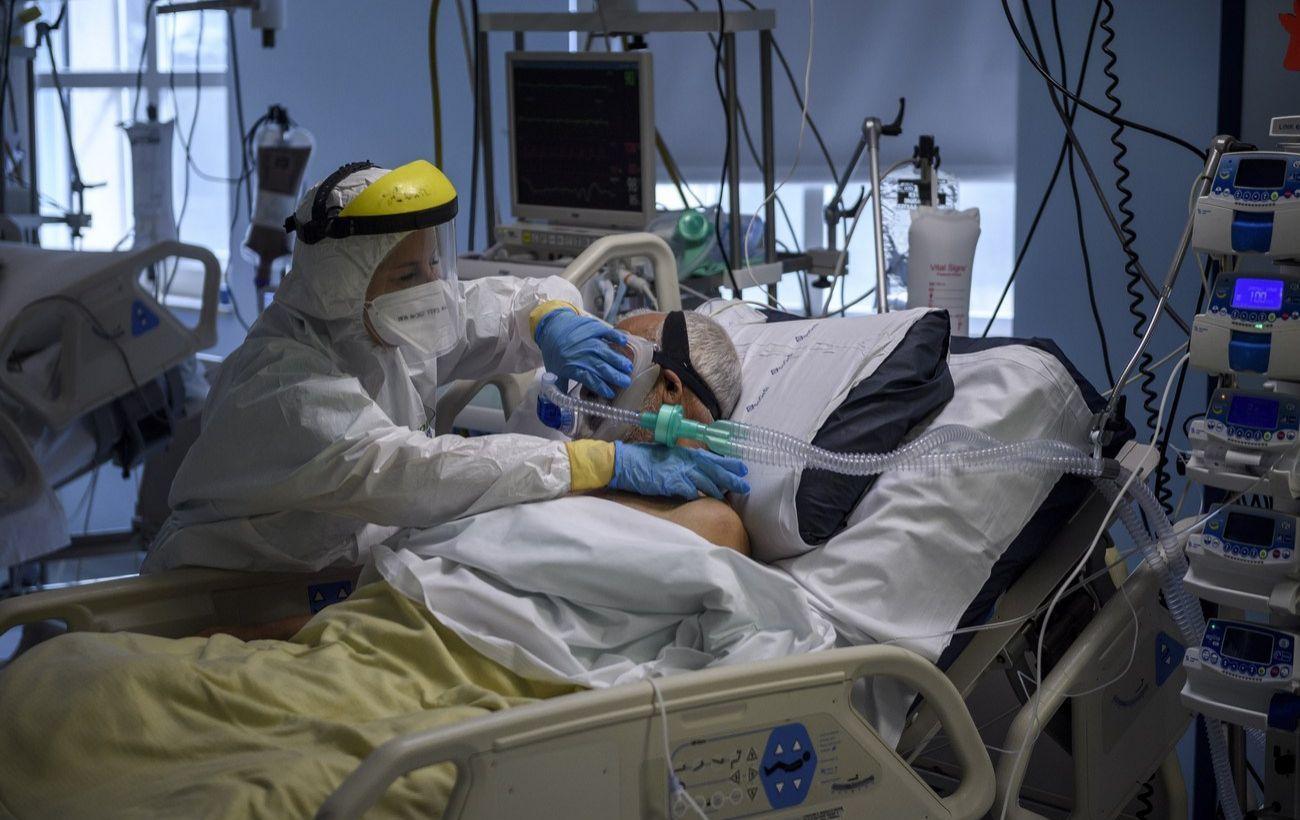 Украина заняла третье место в мире по суточной смертности от COVID-19