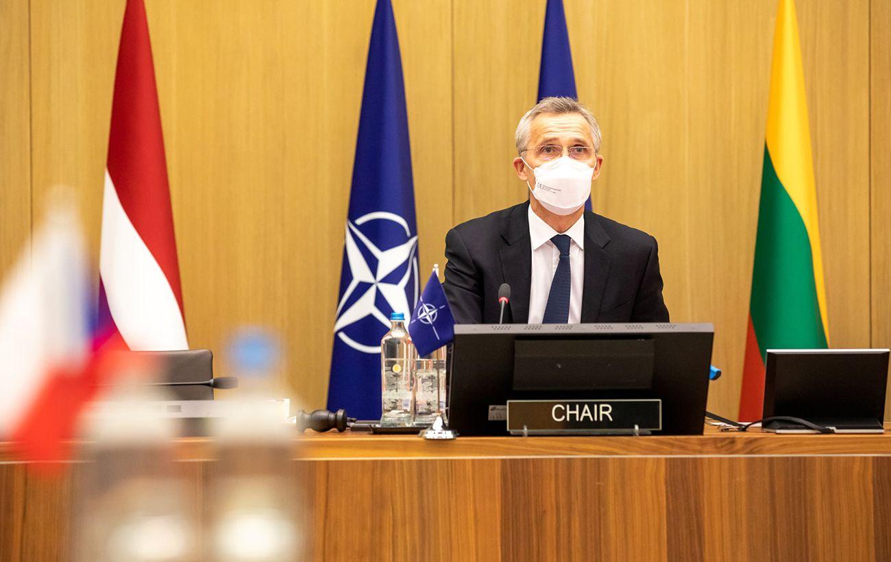 Столтенберг раскритиковал страны за попытки создать европейскую оборону вне НАТО